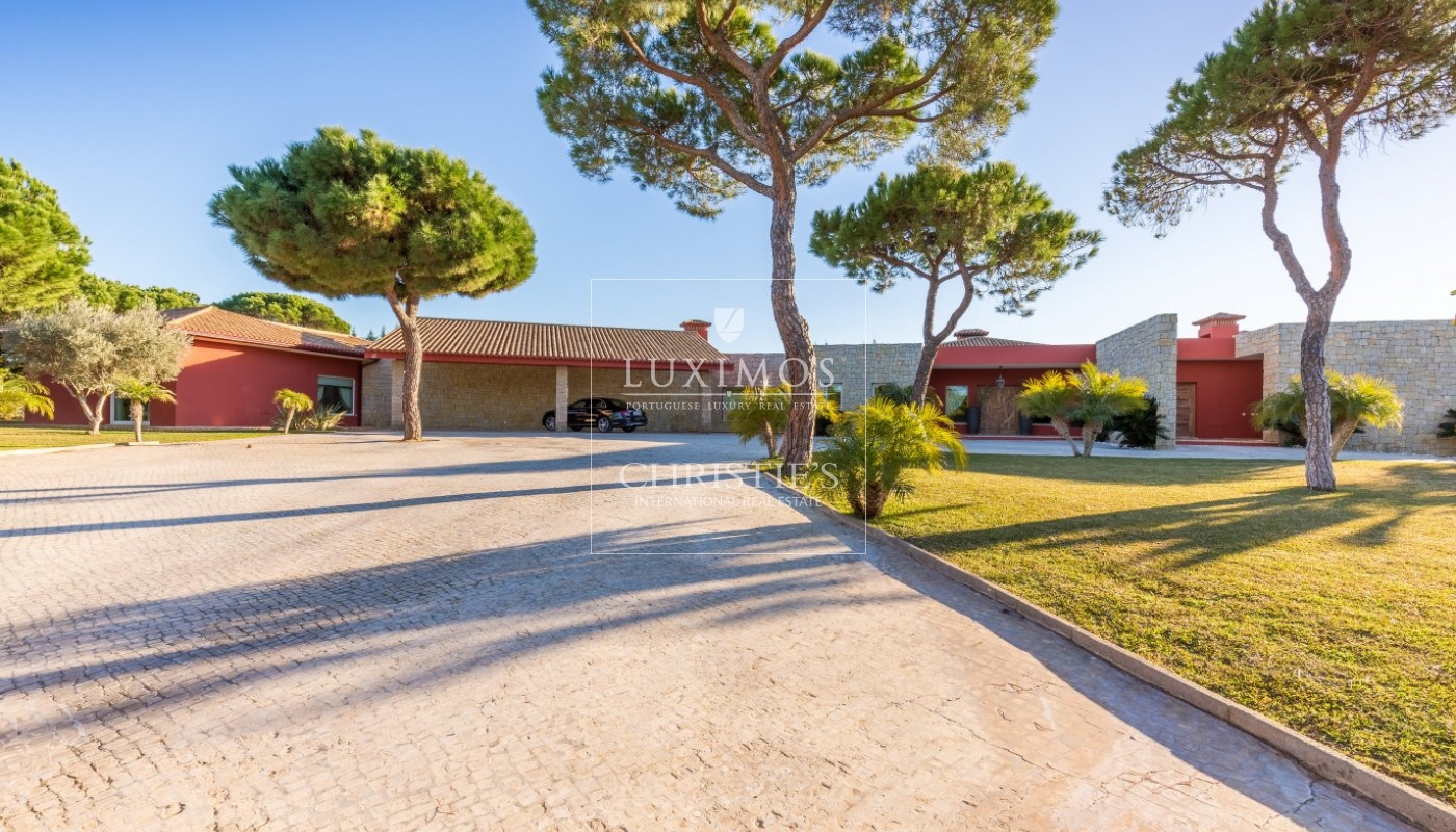 Villa for sale, with pool, close to golf, Vilamoura, Algarve, Portugal_53885