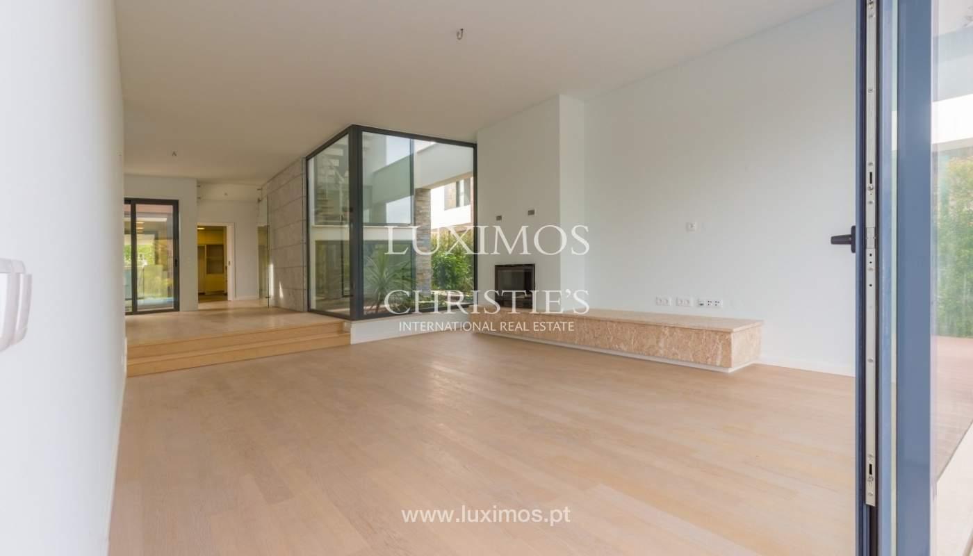 Venda de moradia perto do mar, com piscina e terraço, Algarve,Portugal_53888