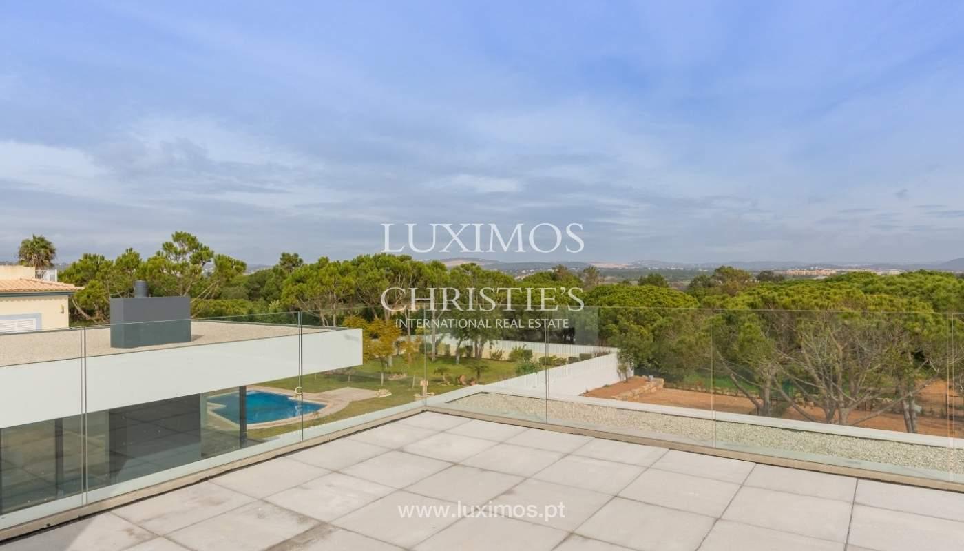 Venda de moradia perto do mar, com piscina e terraço, Algarve,Portugal_53896