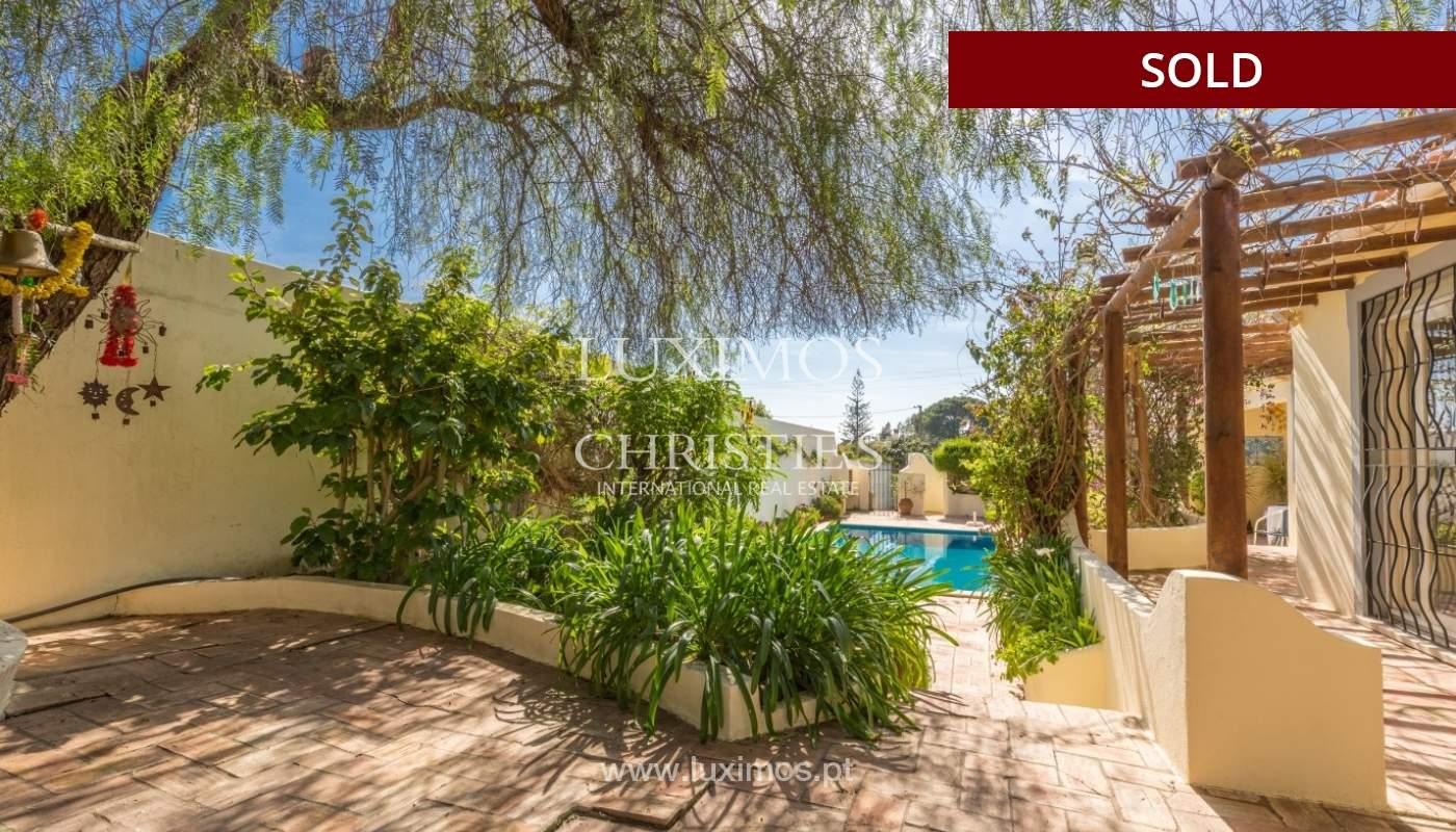 Freistehende villa zum Verkauf, pool, Garten und Tennisplatz, Quarteira, Algarve, Portugal_56640