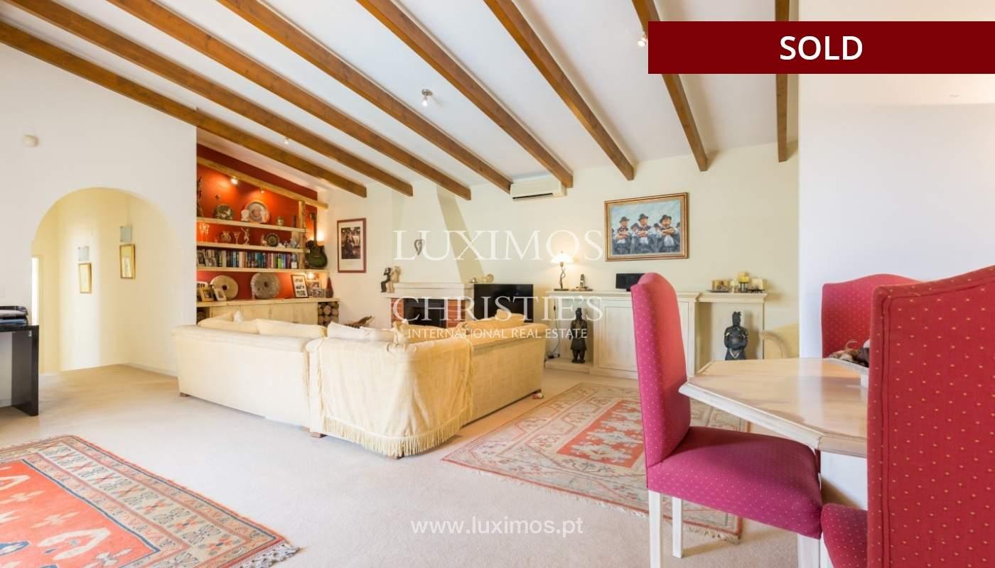 Freistehende villa zum Verkauf, pool, Garten und Tennisplatz, Quarteira, Algarve, Portugal_56647