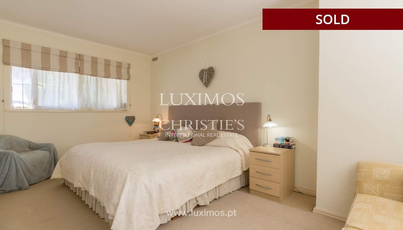 Freistehende villa zum Verkauf, pool, Garten und Tennisplatz, Quarteira, Algarve, Portugal_56650