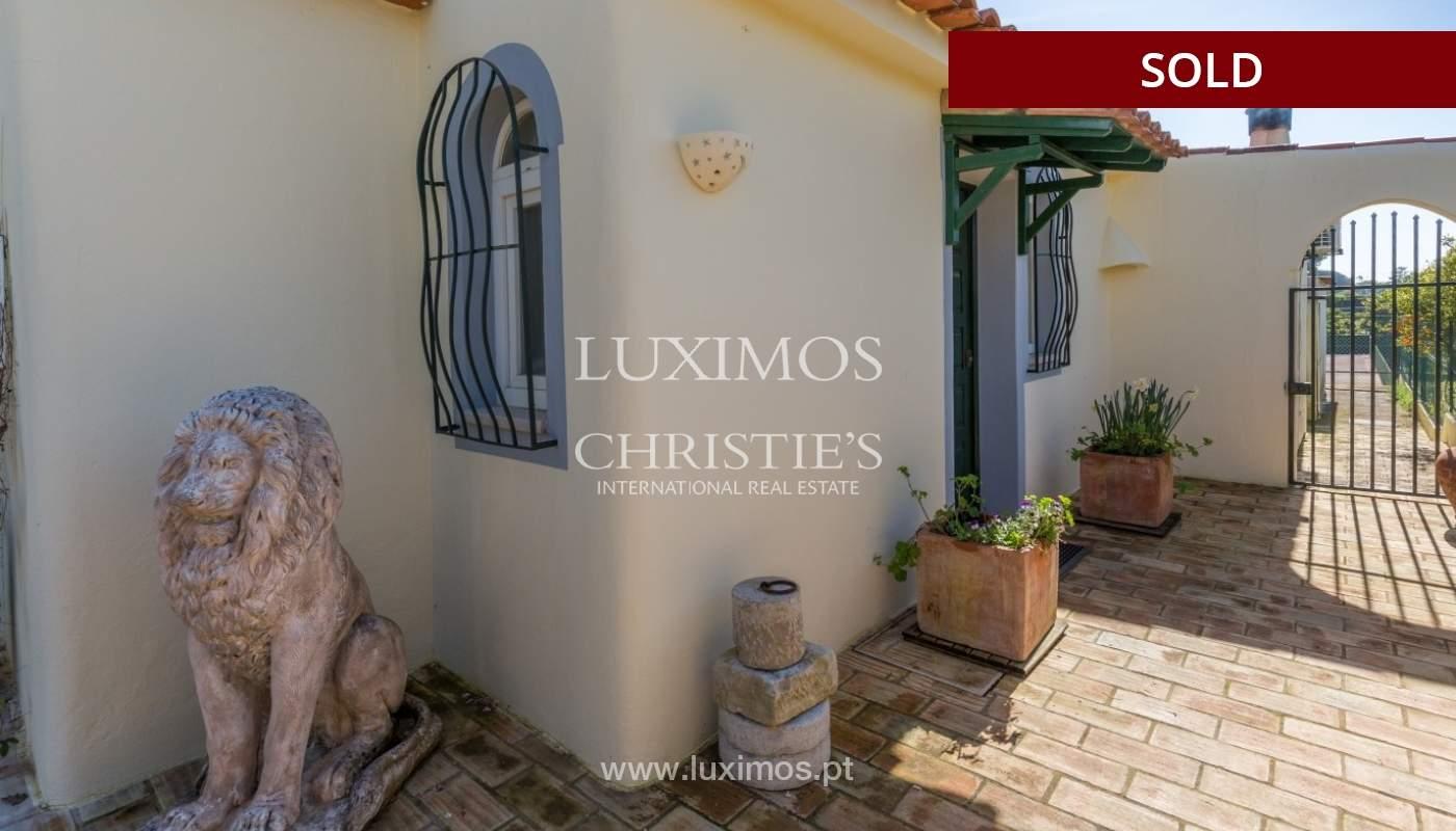 Freistehende villa zum Verkauf, pool, Garten und Tennisplatz, Quarteira, Algarve, Portugal_56656