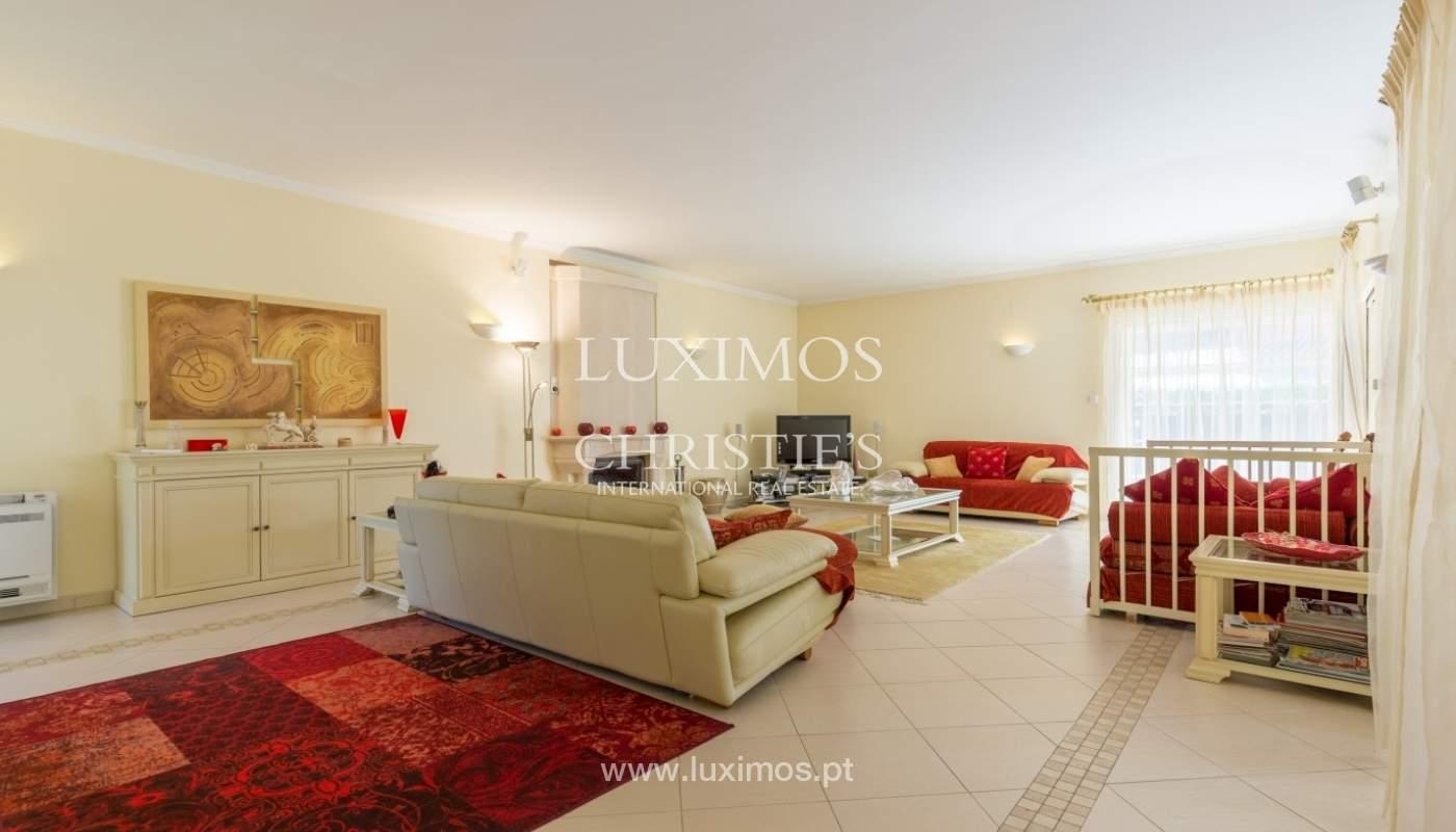 Moradia à venda, piscina e jardim, perto do golfe, Vilamoura, Algarve_56911