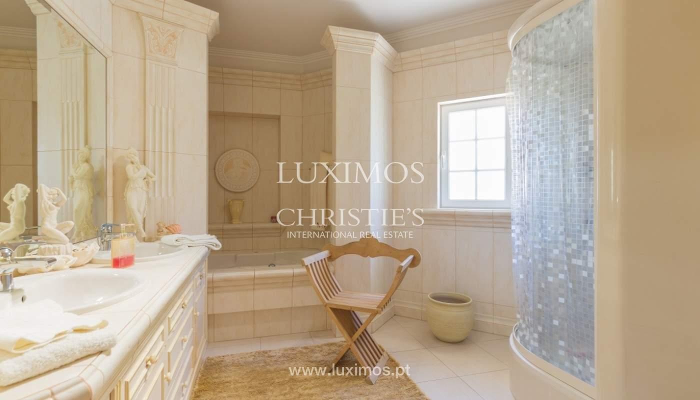 Villa à vendre avec piscine et jardin, Vilamoura, Algarve, Portugal_56923