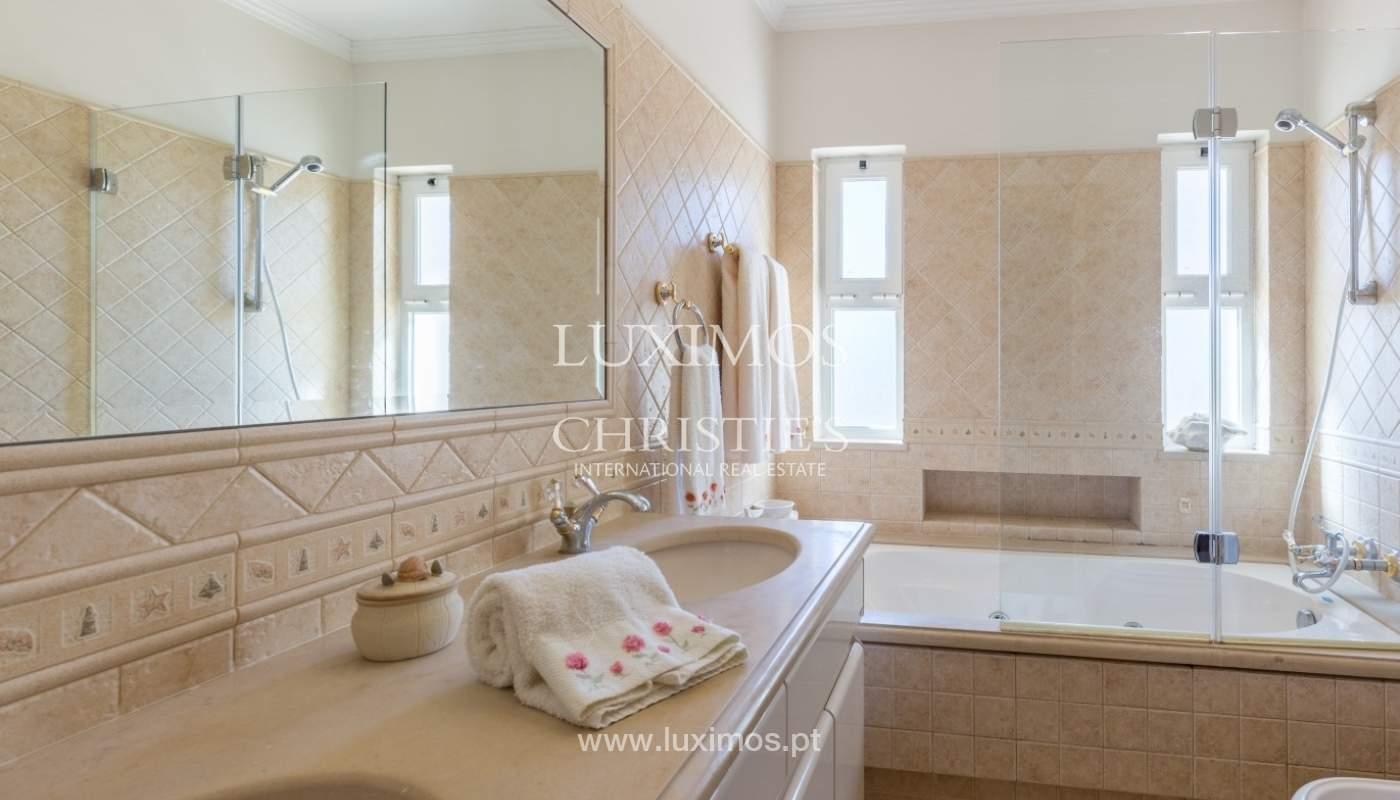Villa à vendre avec piscine et jardin, Vilamoura, Algarve, Portugal_56925