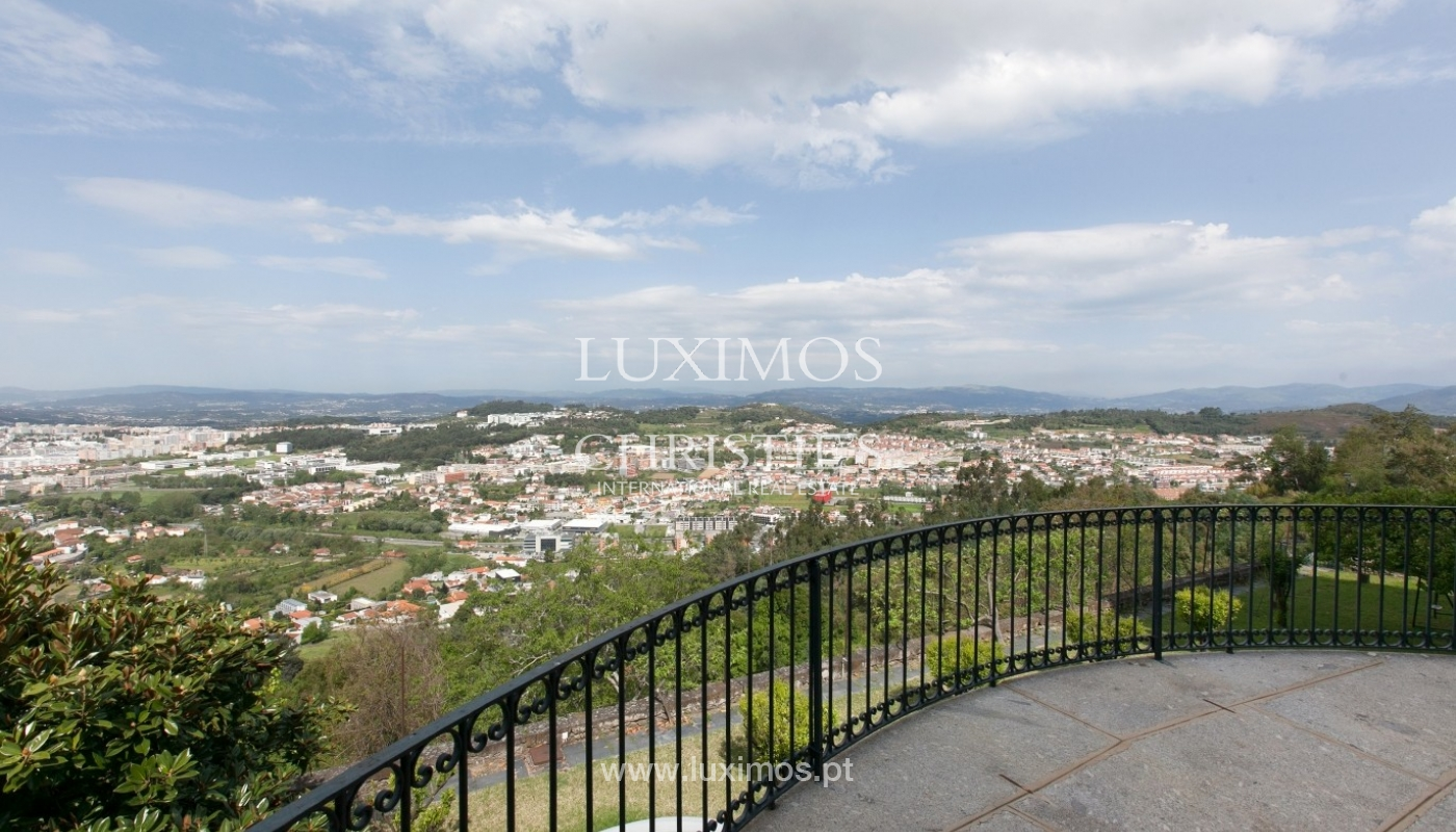 Villa mit Garten, See und Aussicht über Braga, Portugal_57092