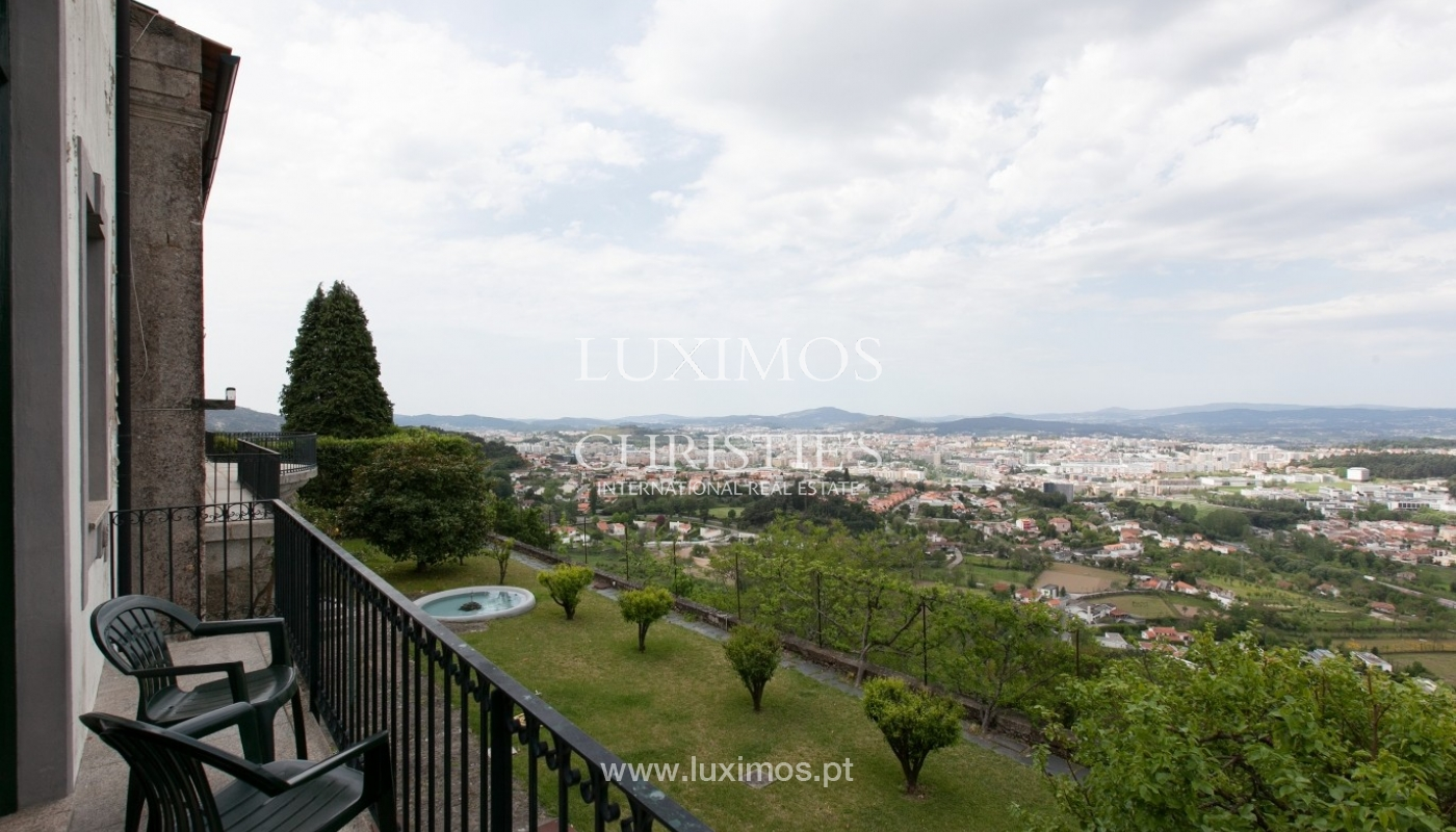 Villa mit Garten, See und Aussicht über Braga, Portugal_57143
