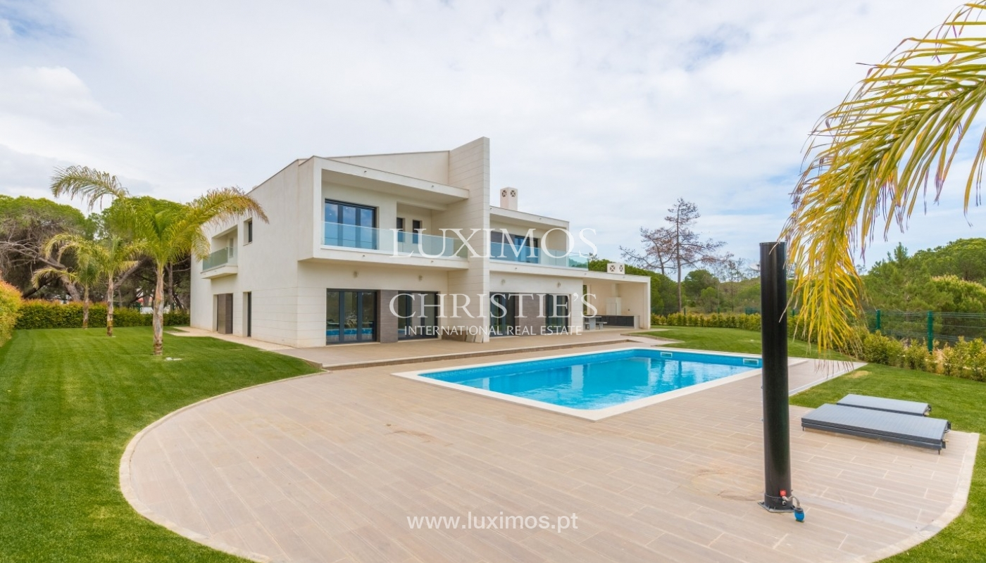 Sale of villa with pool, near the sea and the golf, Algarve, Portugal_57687