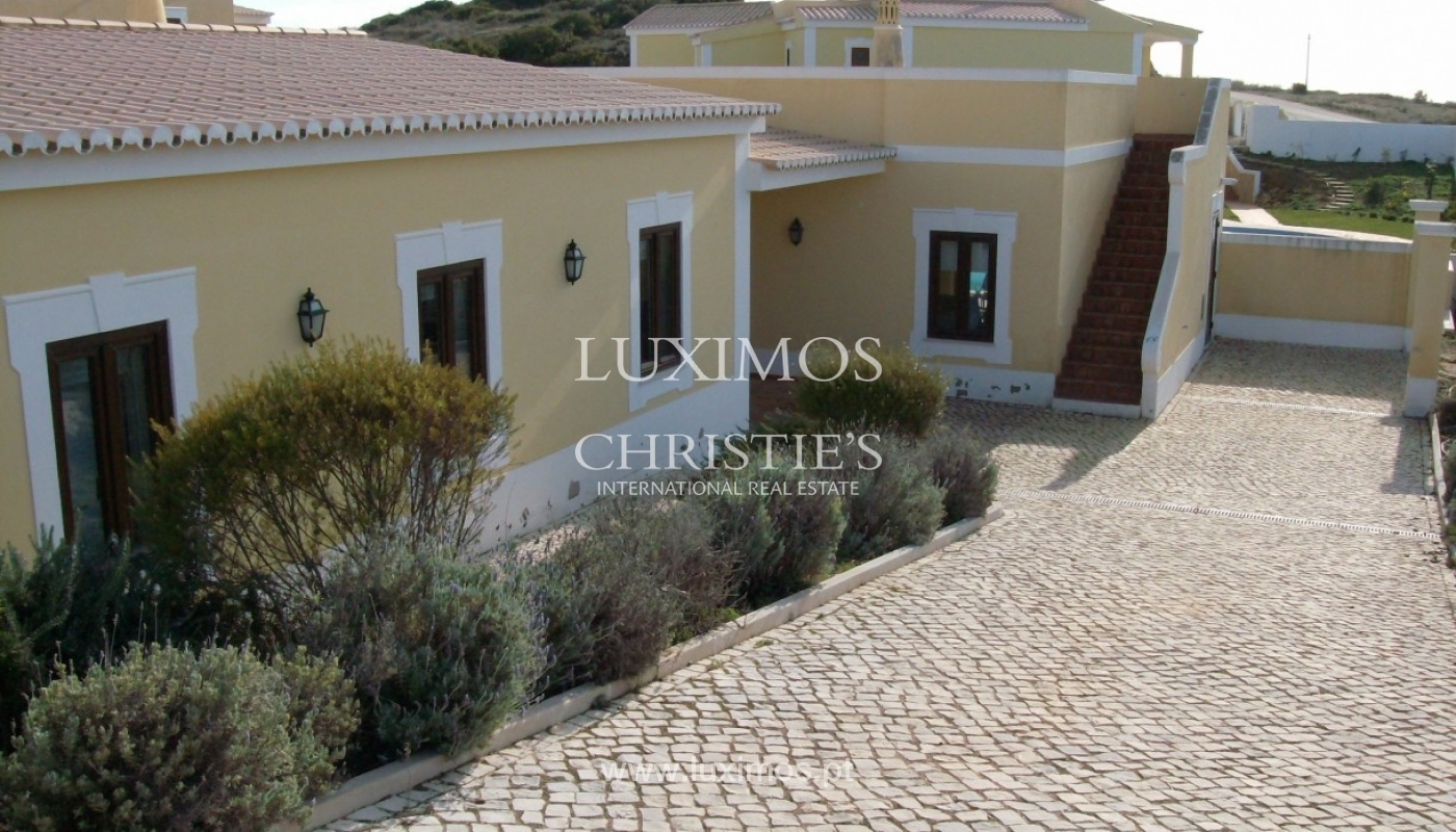 Villa for sale with pool, near the beach, Lagos, Algarve, Portugal_58035