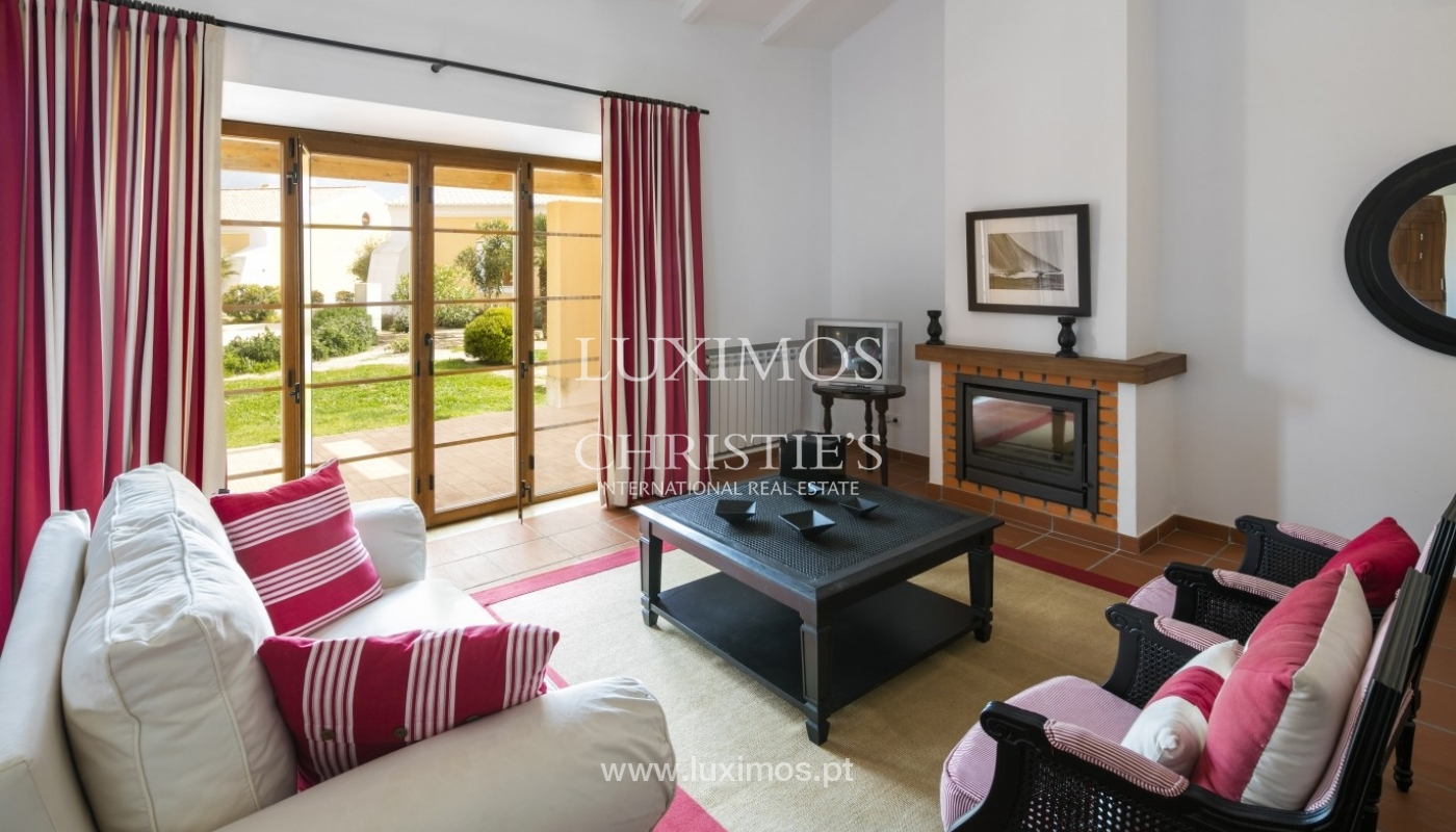 Villa for sale with pool and garden, near the beach, Algarve, Portugal_58562
