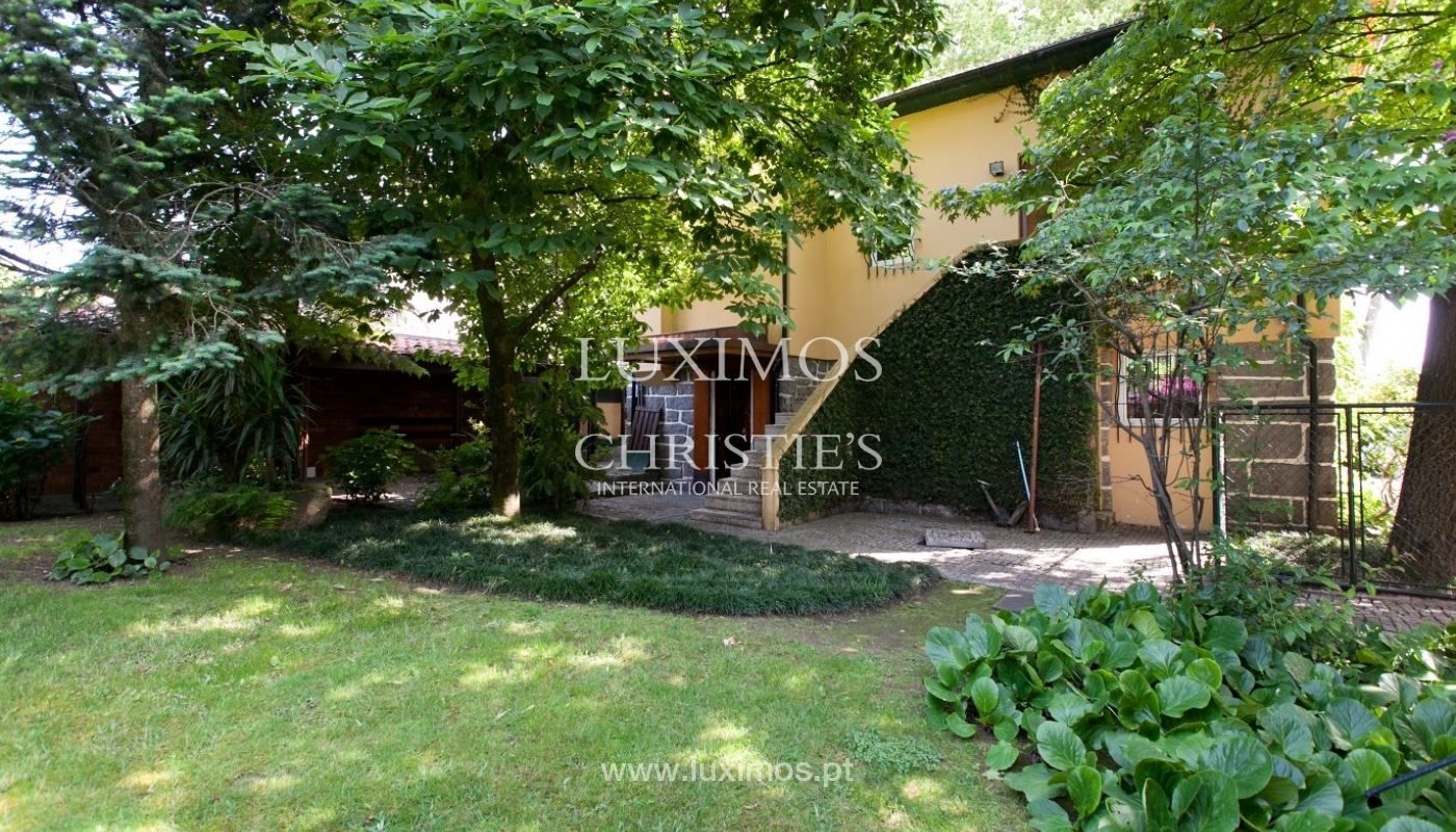 Venda de moradia de 4 frentes com jardim, Matosinhos, Porto_59990