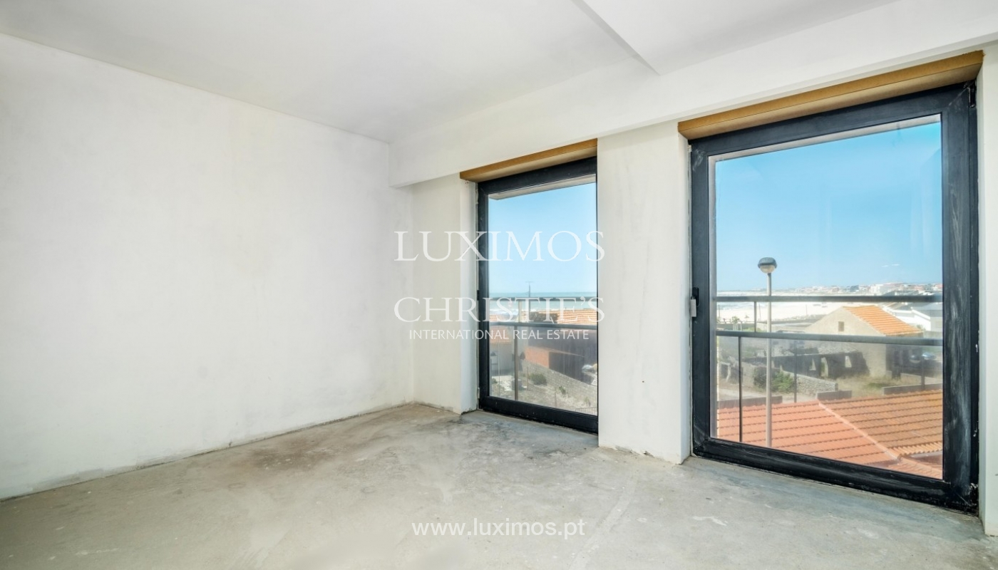 Sale of apartment w/ beach front and sea views, Póvoa Varzim, Portugal_64151
