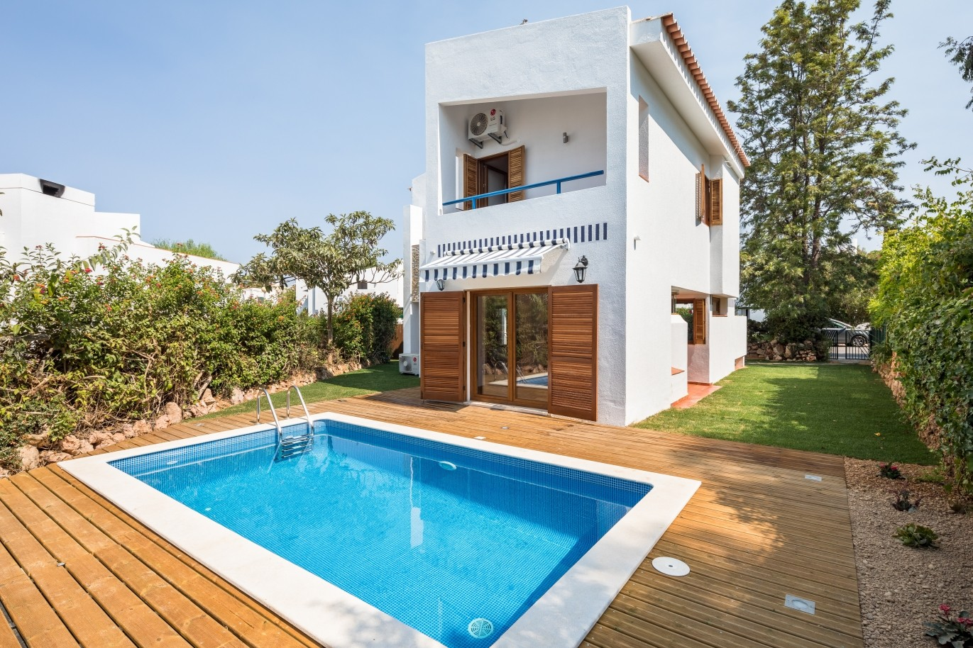 villa-with-terrace-garden-and-pool-vilamoura-algarve-portugal