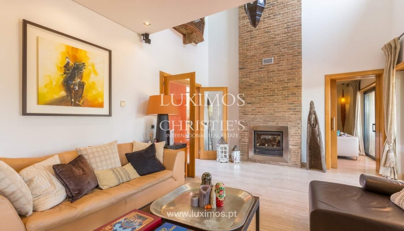 Verkauf Luxus-villa mit pool, nahe dem Meer, Quarteira, Algarve_67372