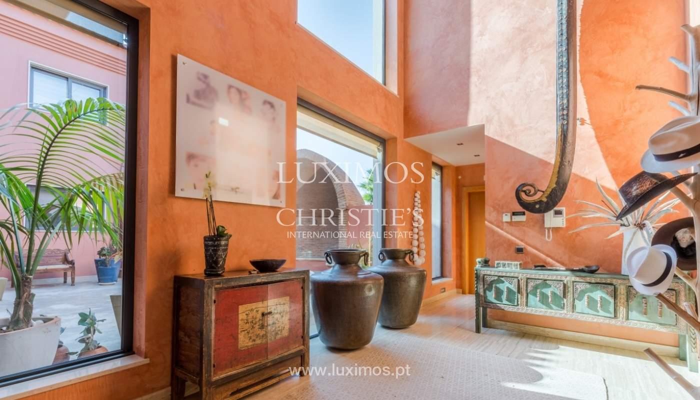Venda de luxuosa moradia com piscina, perto do mar, Quarteira, Algarve_67501