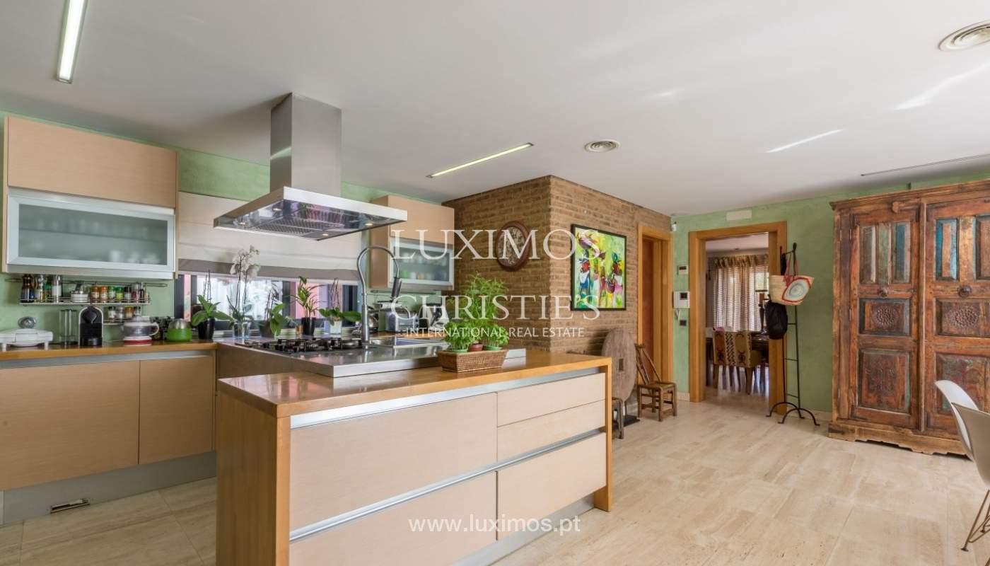 Verkauf Luxus-villa mit pool, nahe dem Meer, Quarteira, Algarve_72351