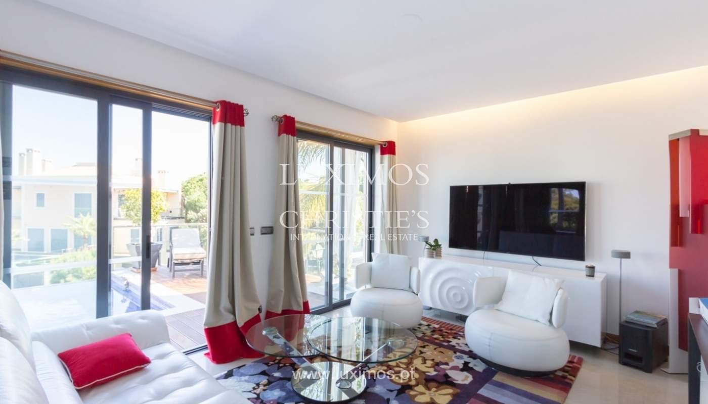 Wohnung zum Verkauf mit pool und Blick auf den Golfplatz Vale do Lobo, Algarve, Portugal_76808