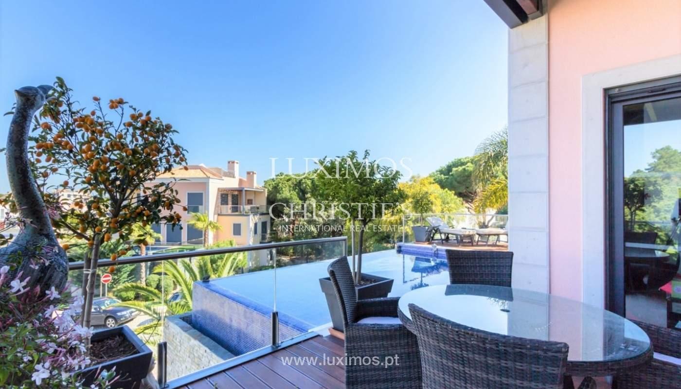 Wohnung zum Verkauf mit pool und Blick auf den Golfplatz Vale do Lobo, Algarve, Portugal_76814