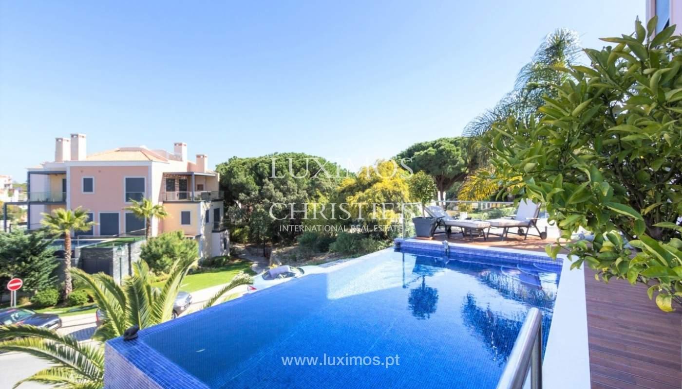 Wohnung zum Verkauf mit pool und Blick auf den Golfplatz Vale do Lobo, Algarve, Portugal_76816
