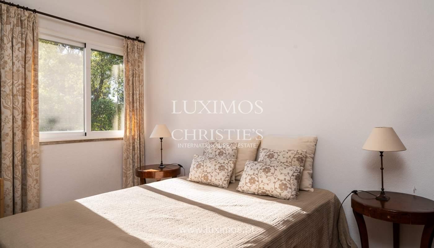 Moradia à venda, jardim, perto da praia e golfe, Vale do Lobo, Algarve_77377