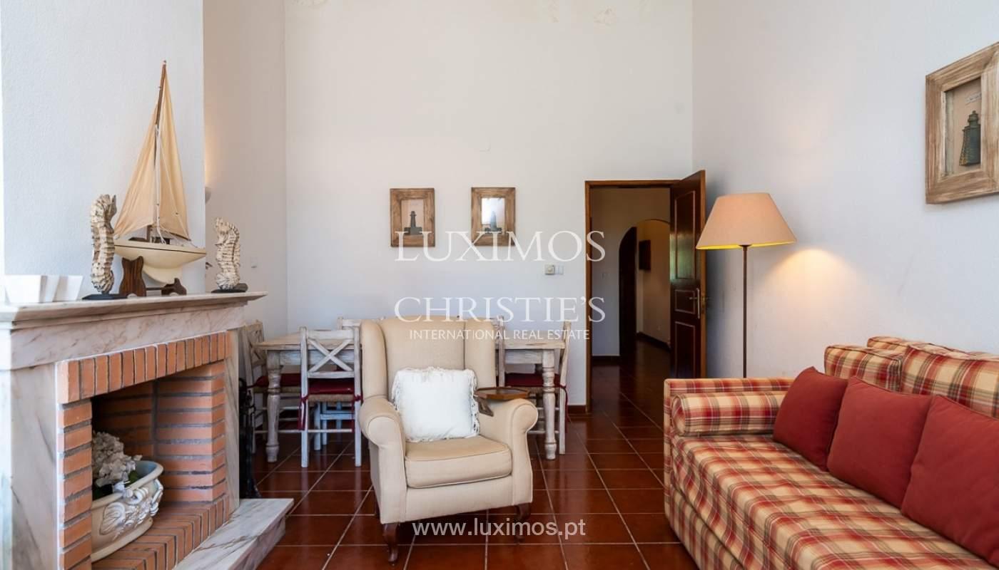 Moradia à venda, jardim, perto da praia e golfe, Vale do Lobo, Algarve_77384