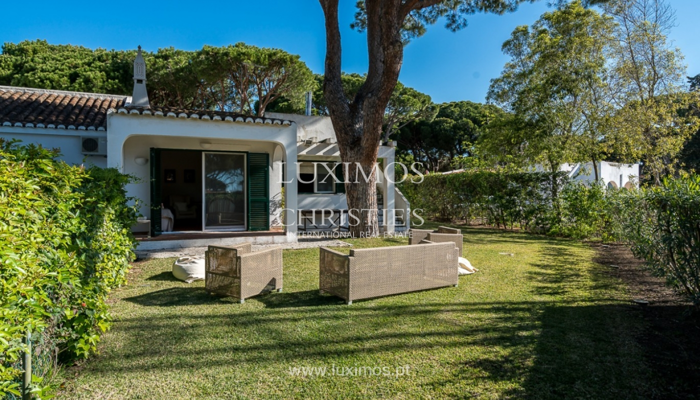 Moradia à venda, jardim, perto da praia e golfe, Vale do Lobo, Algarve_77389