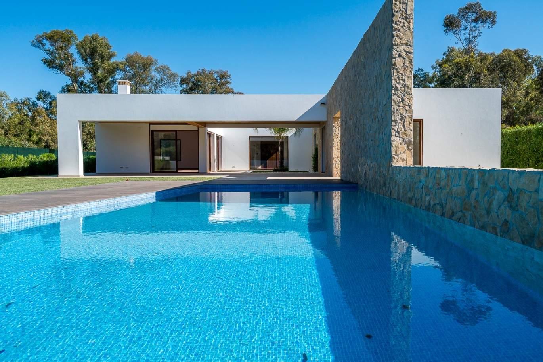 moradia-nova-a-venda-com-piscina-em-resort-de-golfe-alvor-algarve