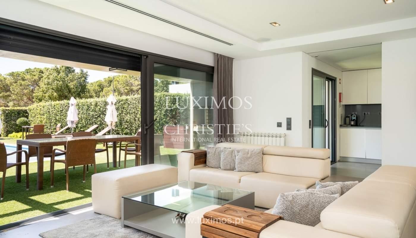 Villa en venta con piscina, junto a golf, Vilamoura, Algarve, Portugal_78034