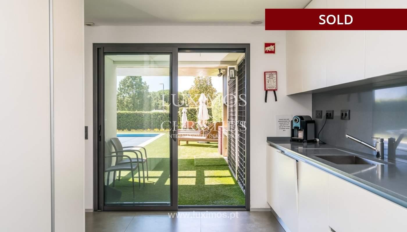 Villa en venta con piscina, junto a golf, Vilamoura, Algarve, Portugal_78035