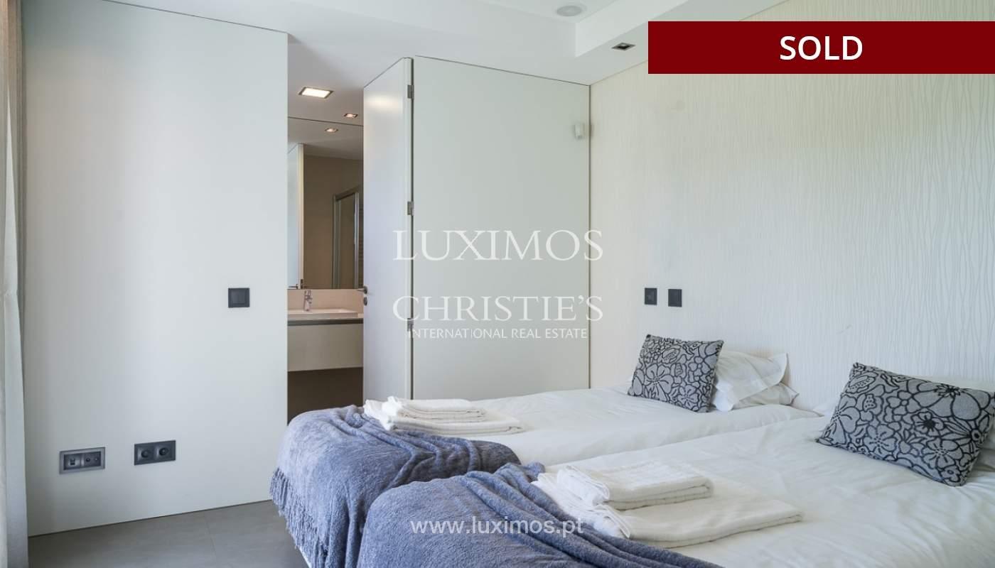 Villa en venta con piscina, junto a golf, Vilamoura, Algarve, Portugal_78041