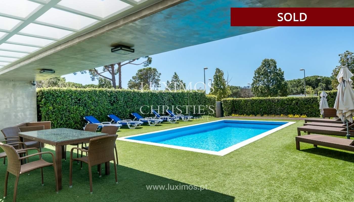 Villa en venta con piscina, junto a golf, Vilamoura, Algarve, Portugal_78048