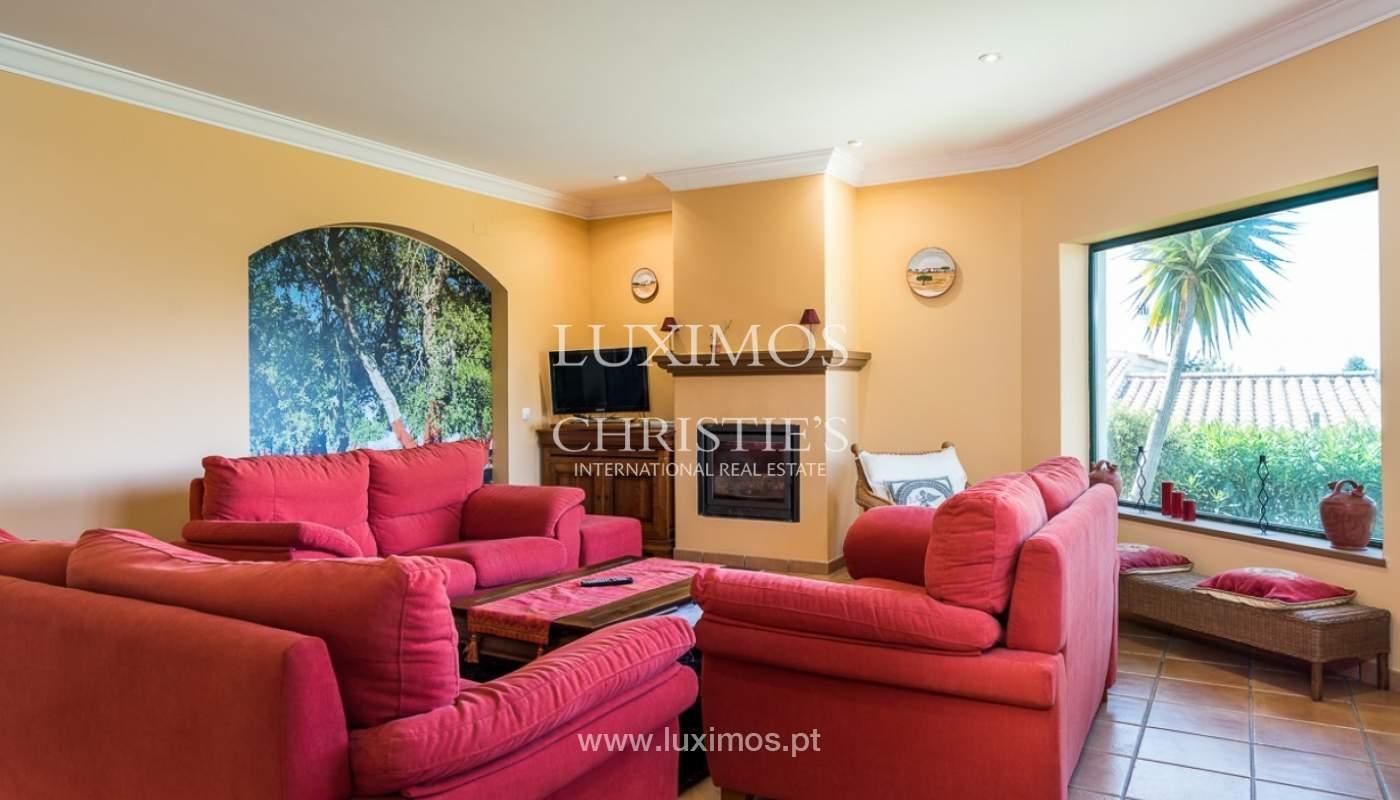 Villa individuelle à vendre, piscine, terrasse, près de plage et golf, Alvor, Algarve, Portugal_78493