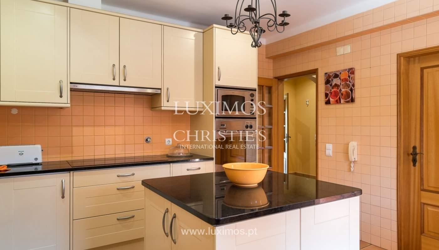 Villa individuelle à vendre, piscine, terrasse, près de plage et golf, Alvor, Algarve, Portugal_78496