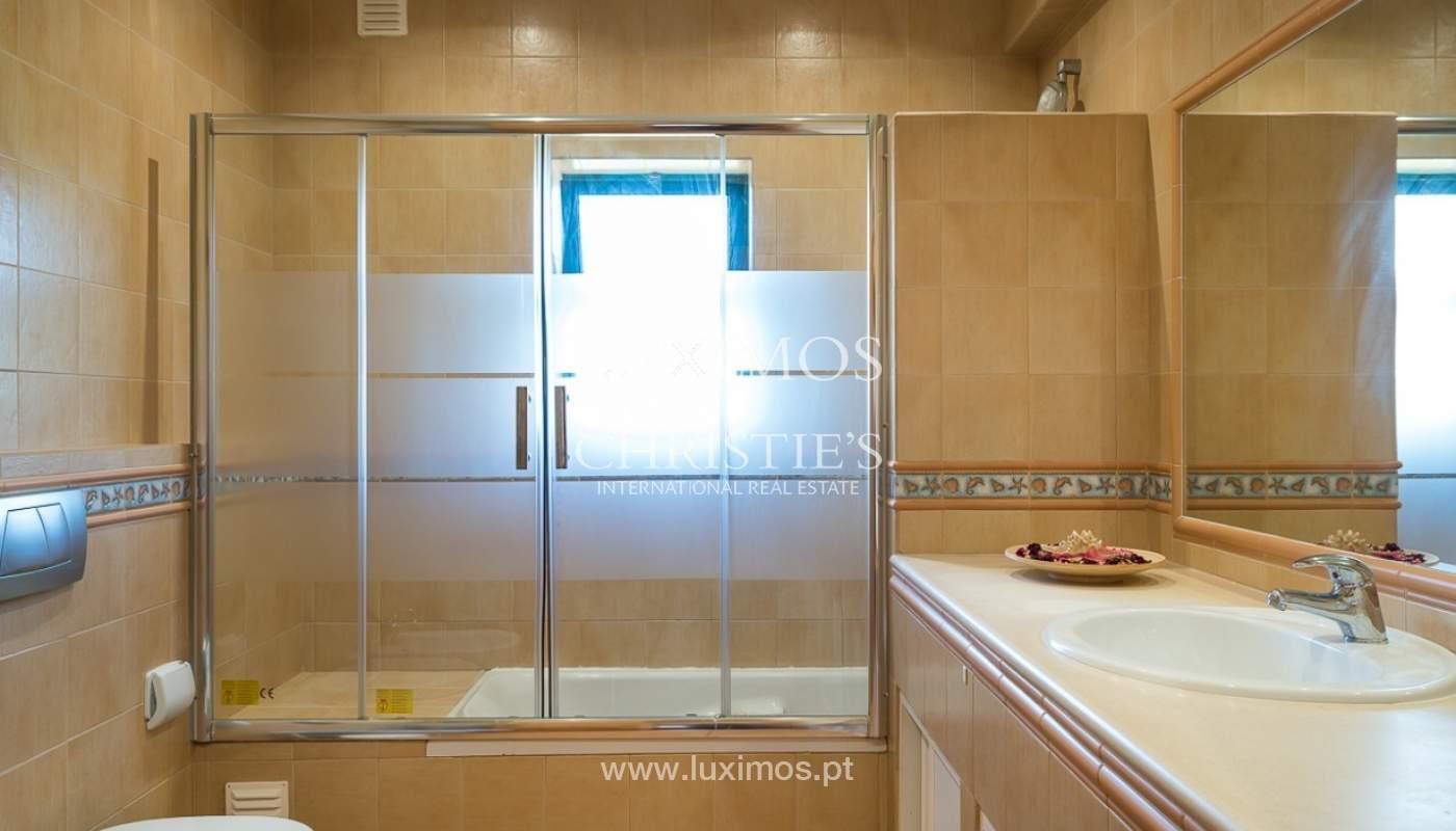 Villa individuelle à vendre, piscine, terrasse, près de plage et golf, Alvor, Algarve, Portugal_78503