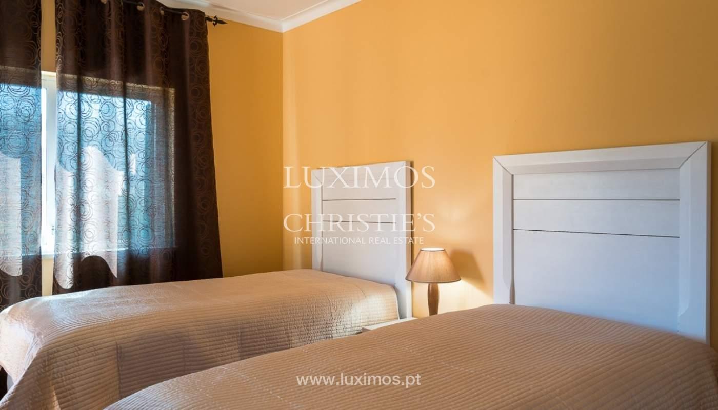 Villa individuelle à vendre, piscine, terrasse, près de plage et golf, Alvor, Algarve, Portugal_78504