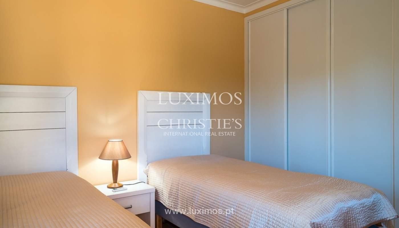 Villa individuelle à vendre, piscine, terrasse, près de plage et golf, Alvor, Algarve, Portugal_78506