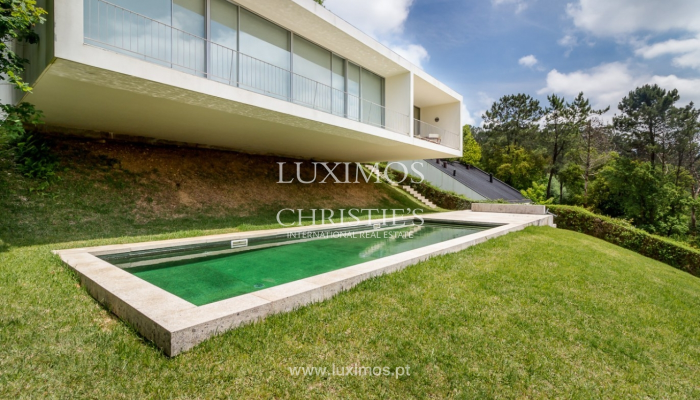 Sale of villa w/ garden and pool, near the golf, Ponte Lima, Portugal_80075