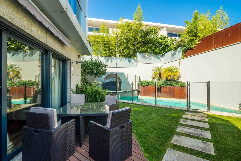 venda-de-moradia-moderna-com-piscina-e-jardim-porto