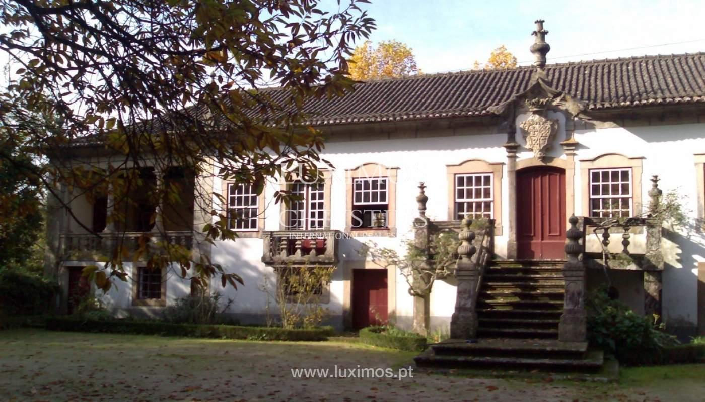Casa Centenaria rehabilitada, Braga, Portugal _82561