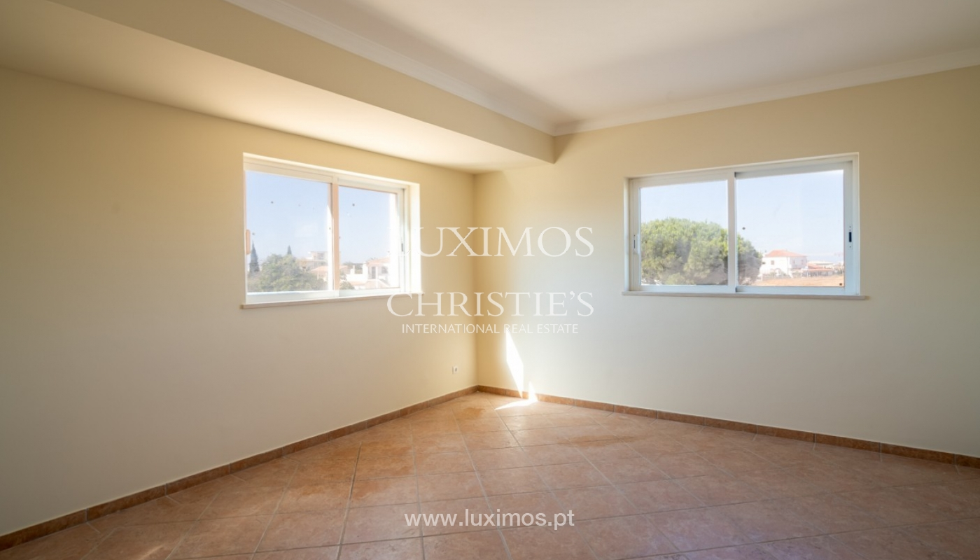 Sale of villa with pool near beach in Albufeira, Algarve, Portugal_82857