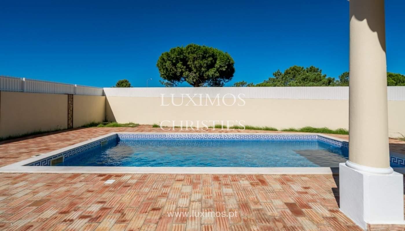 Sale of villa with pool near beach in Albufeira, Algarve, Portugal_82868