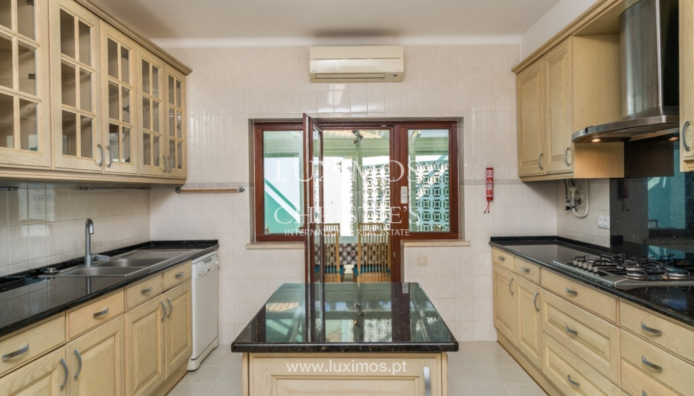 Villa à vendre avec piscine à Penina, Alvor, Algarve, Portugal_83390