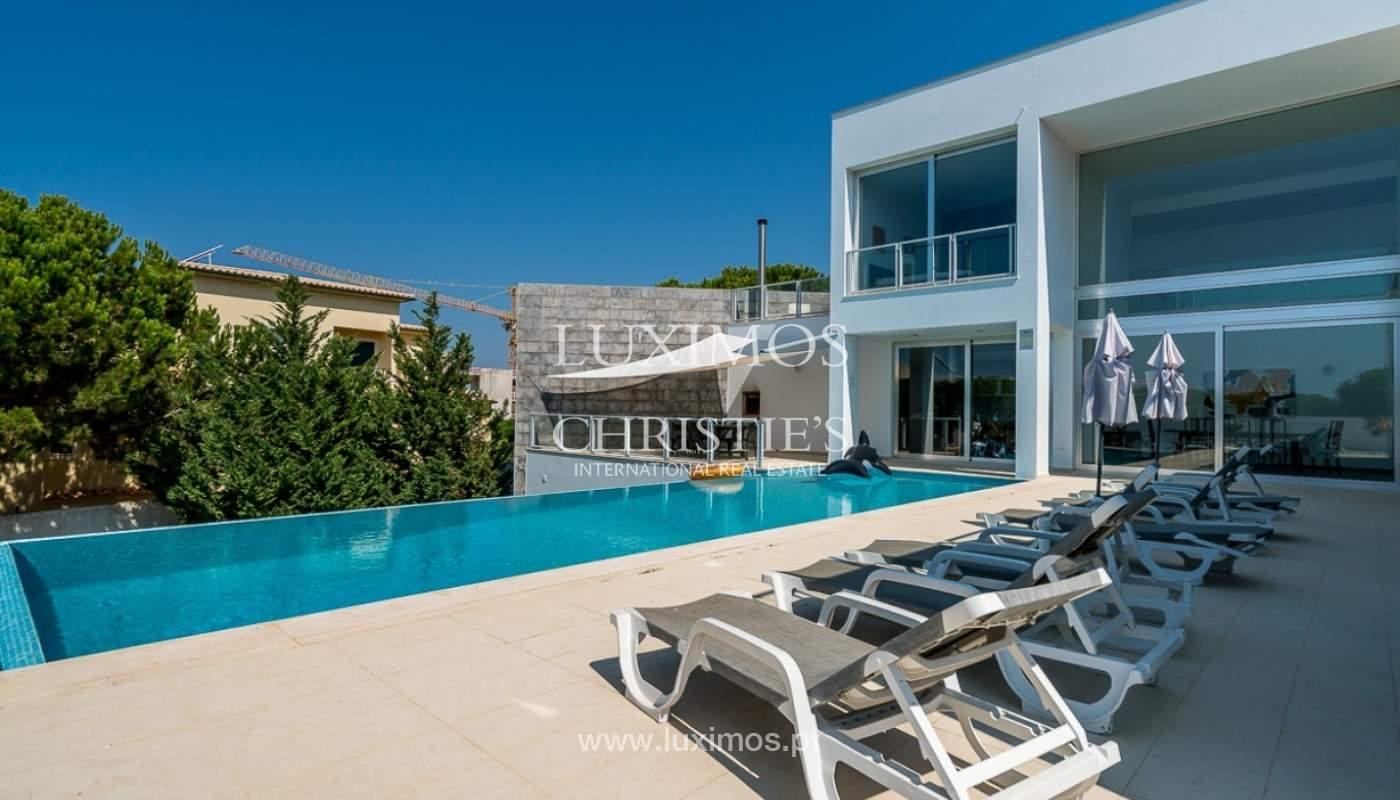 Venta de villa moderna con vista mar en Albufeira, Algarve, Portugal_85161
