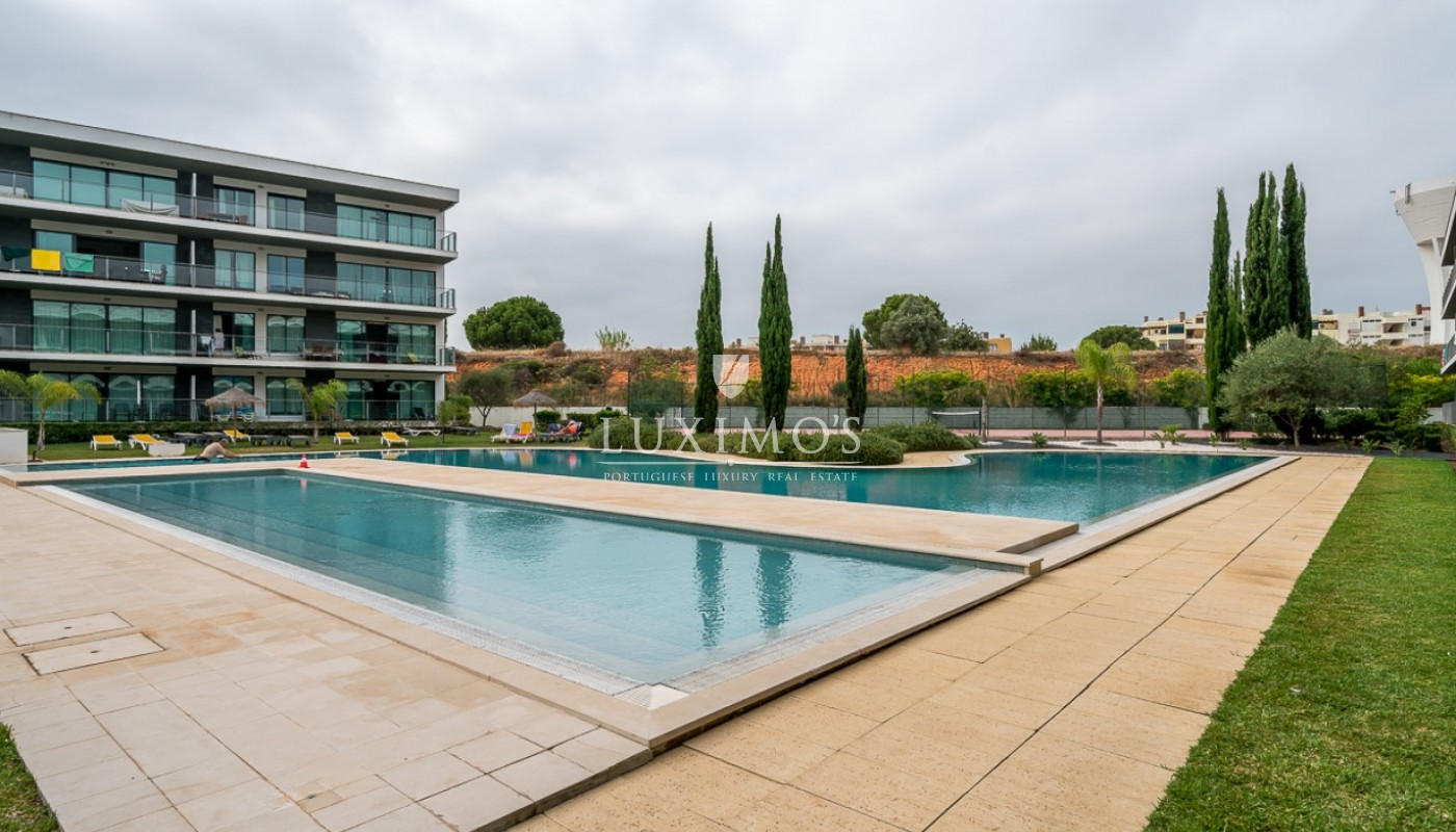 Sale of modern apartment with pool in Vilamoura, Algarve, Portugal_85444