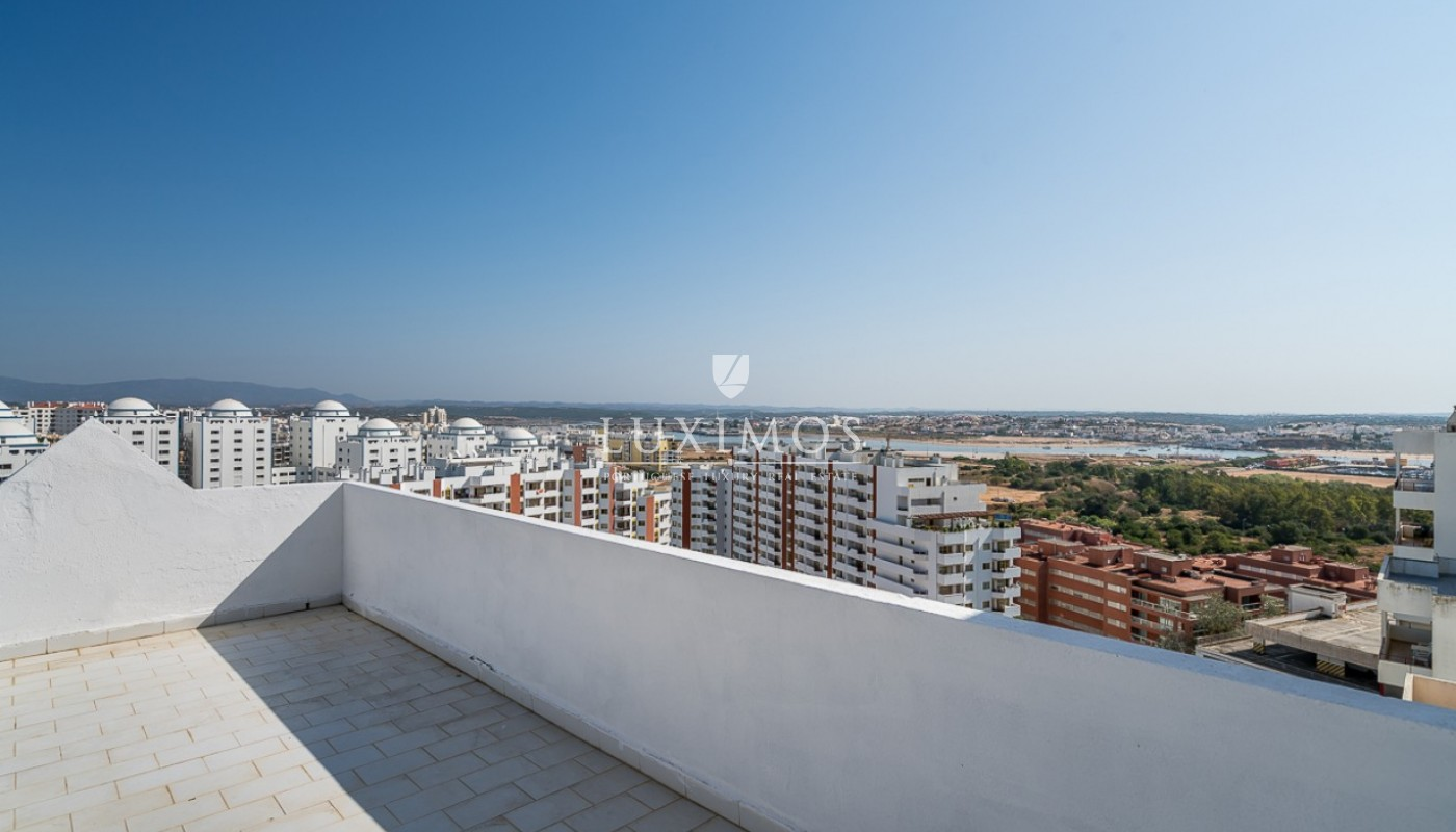 Sale of sea view penthouse apartment in Portimão, Algarve, Portugal_85497