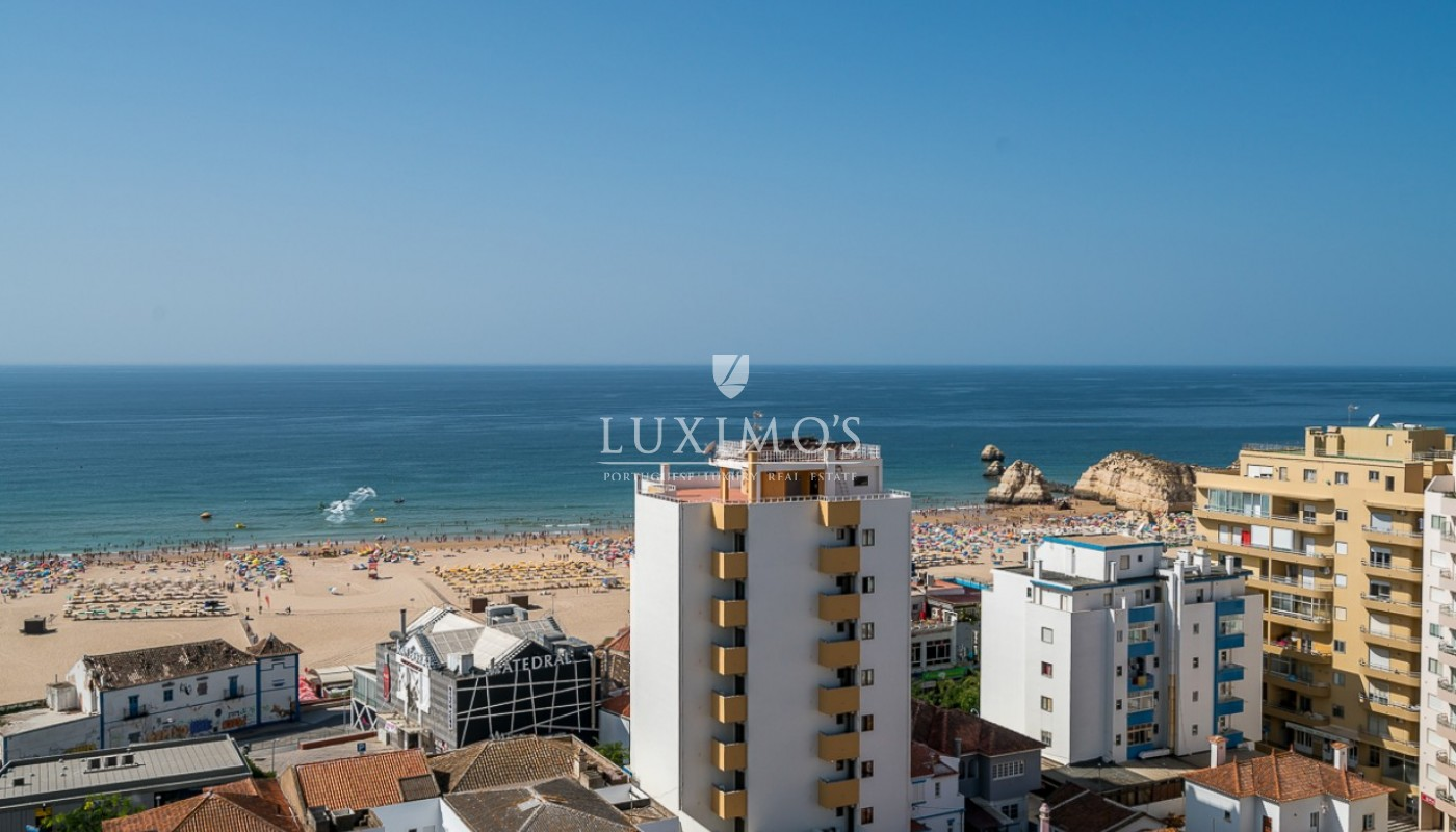 Sale of sea view penthouse apartment in Portimão, Algarve, Portugal_85513