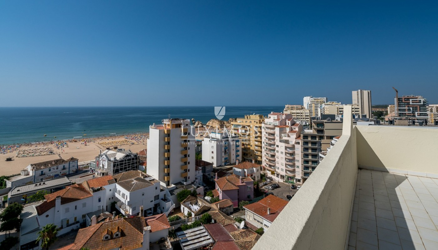 Sale of sea view penthouse apartment in Portimão, Algarve, Portugal_85516