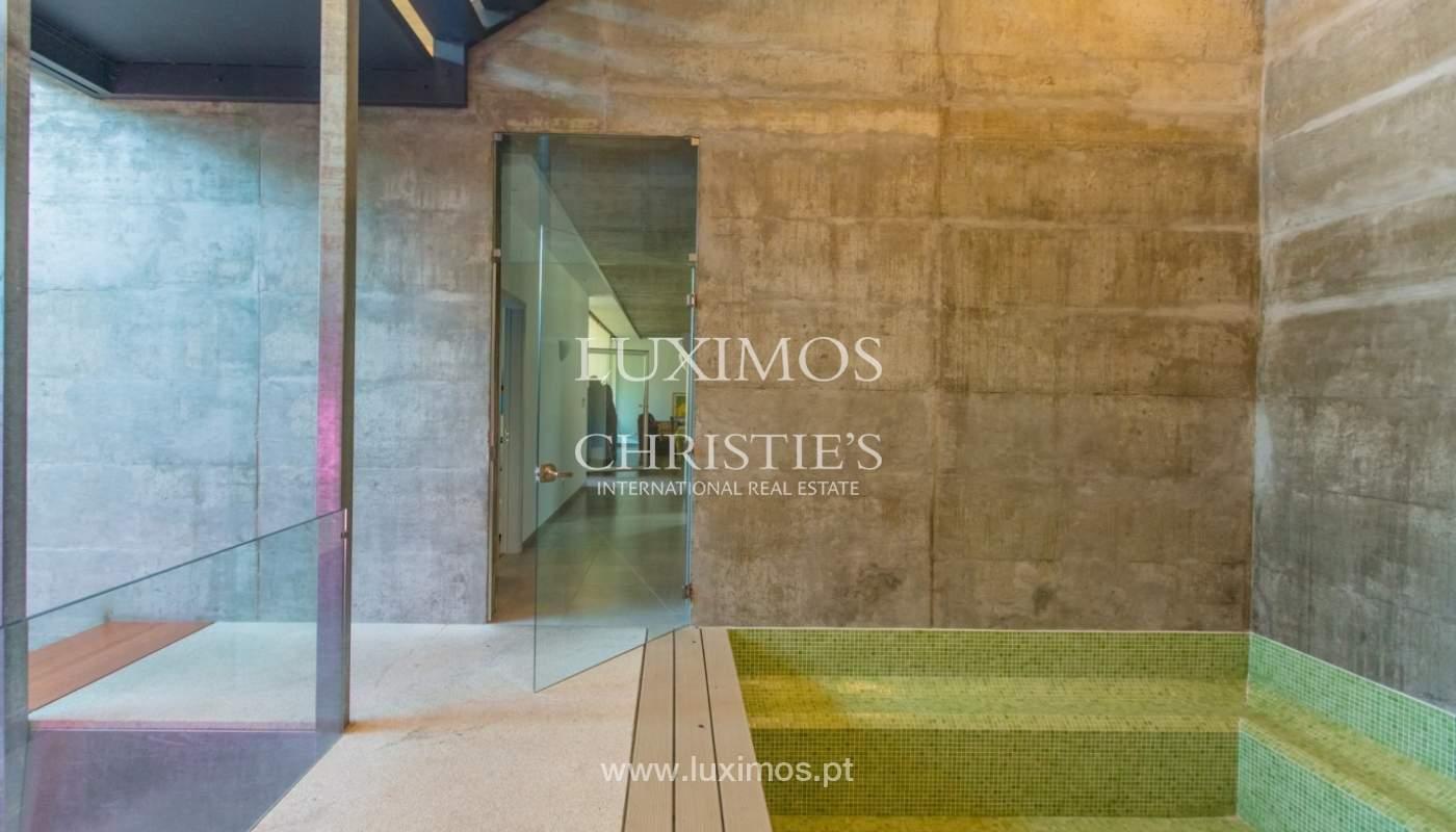 Villa der zeitgenössischen Architektur, Paredes de Coura, Portugal _85659