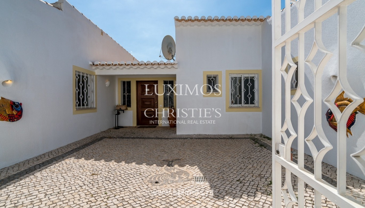 Villa for sale with pool, near beach, golf, Penina, Algarve, Portugal_87002